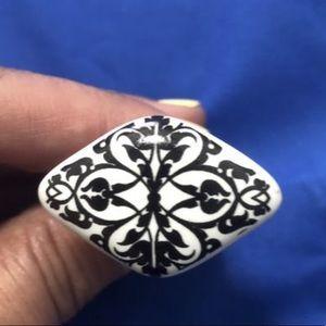 black and white ceramic handles.
